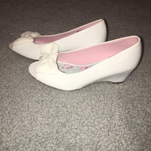 Other - Girl dress shoes size 2